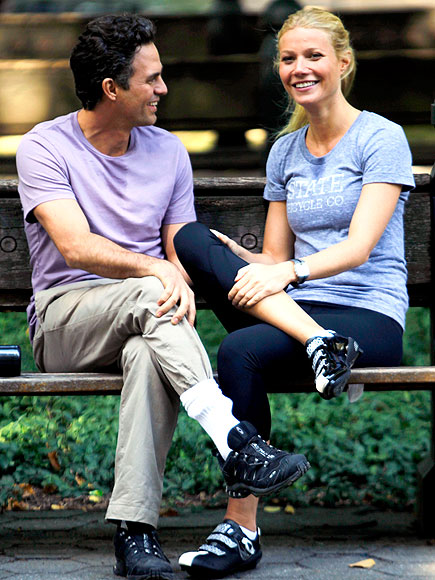 GWYNETH PALTROW & MARK RUFFALO photo | Gwyneth Paltrow, Mark Ruffalo