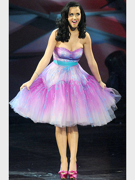 Katy Perry is pretty in pastel at the People's Choice Awards, where the double award winner also deserved a prize for best bargain hunter, in her frilly dress, pink heels and sparkly bangles. Which piece is under $100? | Katy Perry
