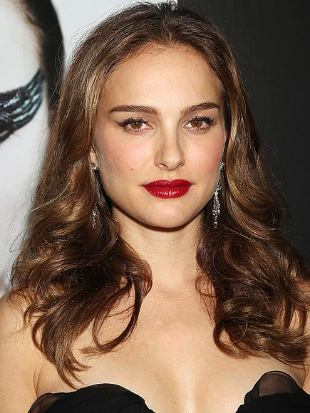 NATALIE PORTMAN'S HIGH-DRAMA LIPS photo | Natalie Portman