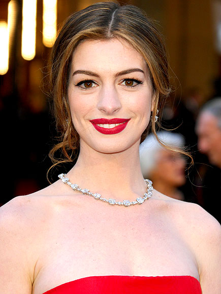 ANNE HATHAWAY'S HAIRCOLOR photo | Anne Hathaway