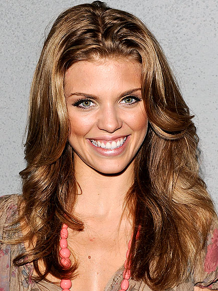 GLOW WITH IT photo | AnnaLynne McCord