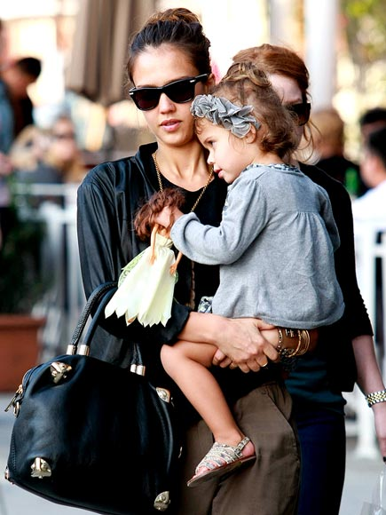 JESSICA ALBA'S PURSE photo | Honor Warren, Jessica Alba