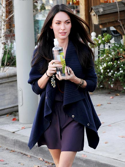 MEGAN FOX'S SWEATER photo | Megan Fox