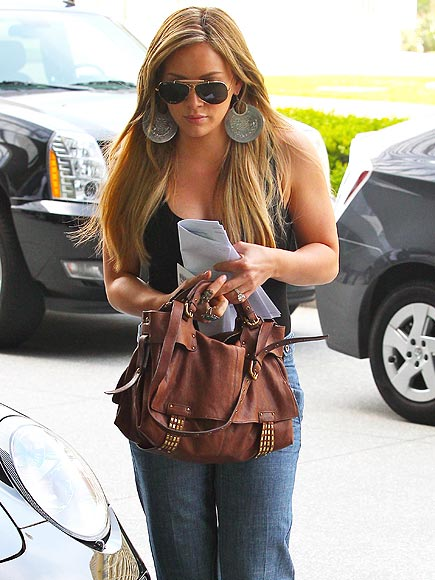 HILARY DUFF'S PURSE photo | Hilary Duff
