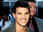 Taylor Lautner Has a Warm & Fuzzy Fan Encounter Down Under | Taylor Lautner