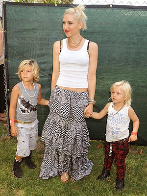 Spotted: Gwen Stefani and Sons Get a Grip - Moms & Babies ...