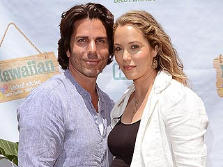 Elizabeth Berkley Welcomes Son Sky Cole