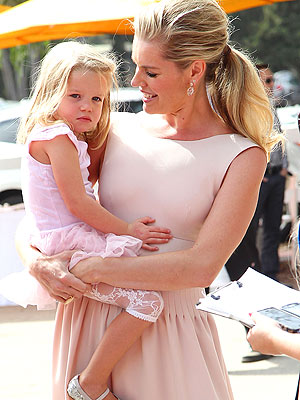 Rebecca Romijn's Twins' Favorite Song? 'Call Me Maybe'