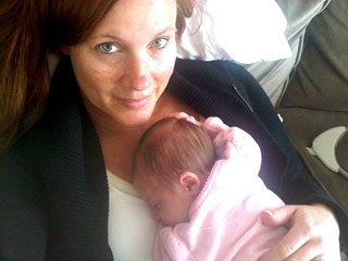 Elisa Donovan Blogs: How to Handle the First Week with Your Newborn