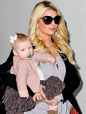 Jessica Simpson Out With Maxwell