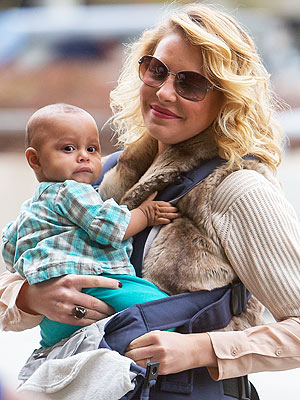 Katherine Heigl and Adalaide at LAX
