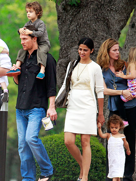 SUNDAY STROLL photo | Camila Alves, Matthew McConaughey
