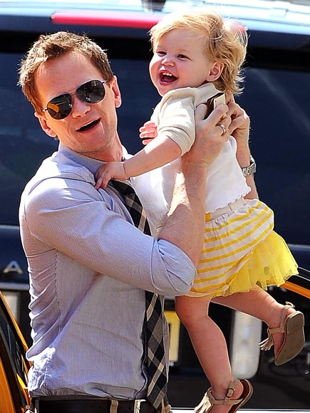 NEIL PATRICK HARRIS & HARPER GRACE BURTKA-HARRIS photo | Neil Patrick Harris
