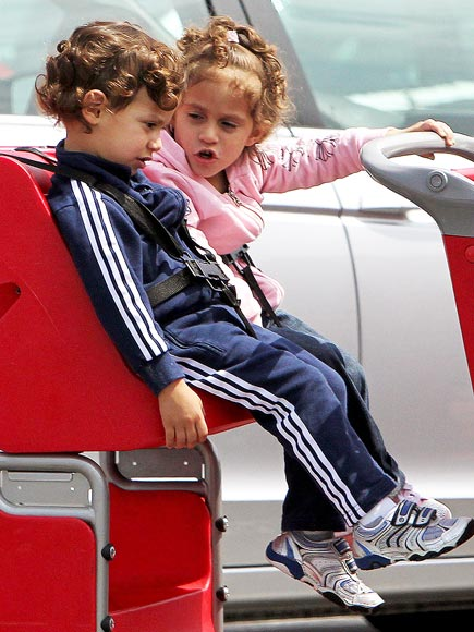MAX & EMME MUÑIZ photo | Jennifer Lopez