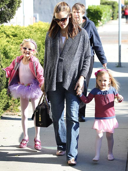 MINI DANCERS photo | Jennifer Garner