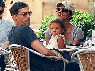 Halle, Olivier & Nahla's Family Fun | Halle Berry, Olivier Martinez
