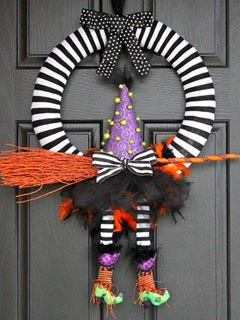 Craft Ideas Halloween on Great Ideas  9 Halloween Crafts The Whole Family Will Howl Over