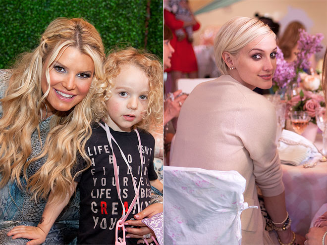 FAMILY AFFAIR photo | Jessica Simpson