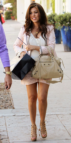 The Gallery For Kourtney Kardashian Style Tumblr