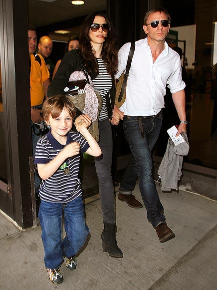 HENRY ARONOFSKY photo | Daniel Craig, Rachel Weisz