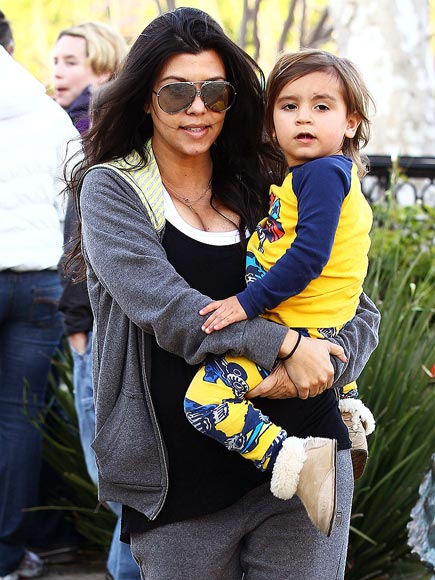 KOURTNEY SLEEPS WITH HER 2-YEAR-OLD photo | Kourtney Kardashian