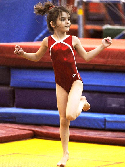 SURI CRUISE: GYMNASTICS photo | Suri Cruise