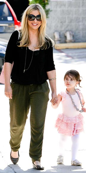 MOMMY DEAREST photo | Sarah Michelle Gellar