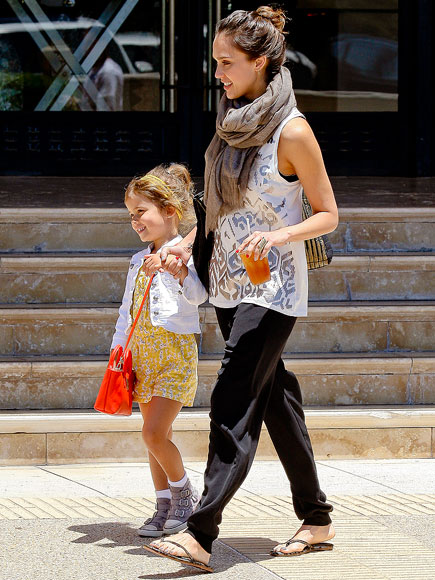 jessica alba 2 435 Star Mom and Their BabiesBack to school Mix and Match