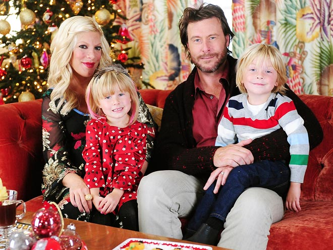 SEASON'S GREETINGS photo | Dean McDermott, Tori Spelling