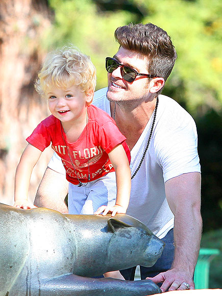 ROBIN THICKE photo | Robin Thicke