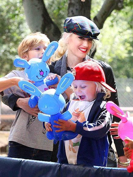 FURRY FRIENDS  photo | Gwen Stefani