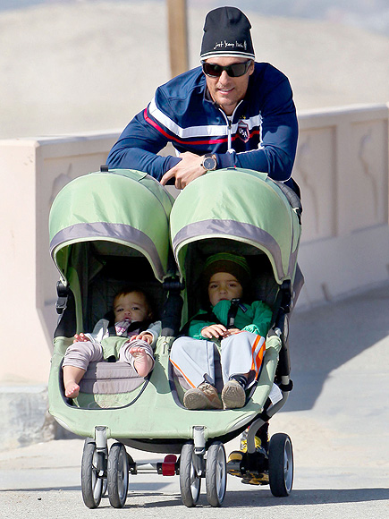 BABY JOGGER CITY MINI DOUBLE photo | Matthew McConaughey
