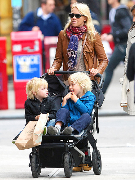 MOUNTAIN BUGGY DUET photo | Naomi Watts