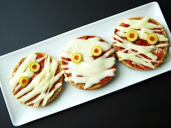 Kid friendly halloween snack recipe photos for Easy kid friendly halloween treats