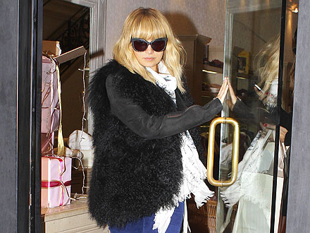 Nicole Richie Picks Out High-Fashion Holiday Gifts | Nicole Richie