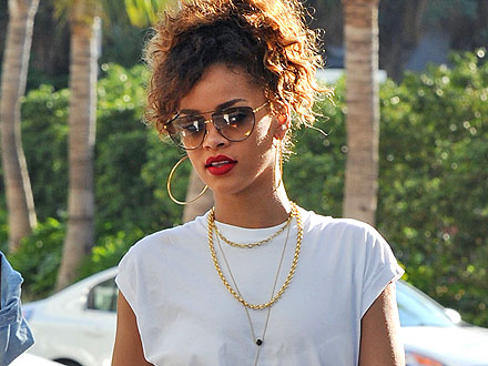 Rihanna Surprises (and Delights) Miami Shoppers | Rihanna