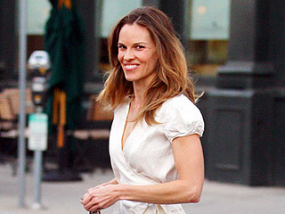 Hilary Swank and Her Beau Go Burger-Crazy in L.A. | Hilary Swank