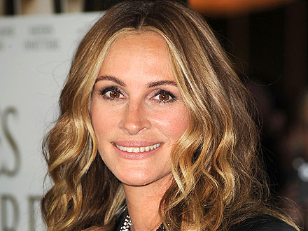 Julia Roberts Frightens Her Kids - On and Off Set