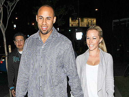 Kendra & Hank Share a Casual Date Night | Hank Baskett, Kendra Wilkinson