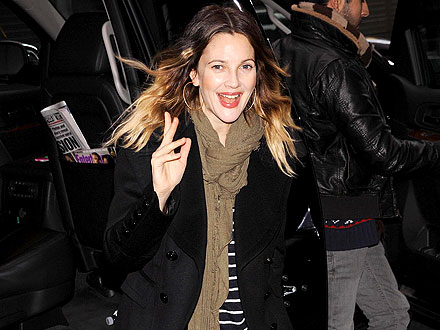 Drew Barrymore: On the Hunt for Jeans & Sweaters in L.A.