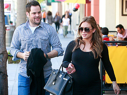 New Parents Hilary Duff & Mike Comrie Step Out for Grown-Up Dinner Date | Hilary Duff