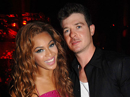 Beyonc&#233; Shows Off Baby Pictures at Robin Thicke&#39;s B-Day