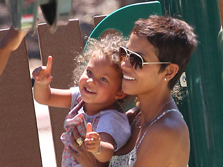Halle Berry Takes Nahla to the Amusement Park | Halle Berry
