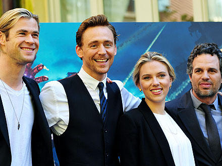 Scarlett Johansson and Her Avengers Costars Dig Into Pasta in Rome | Chris Hemsworth, Mark Ruffalo, Scarlett Johansson