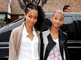 Jada Pinkett Smith and Willow's Mellow, Mother-Daughter Movie Day | Jada Pinkett Smith, Willow Smith