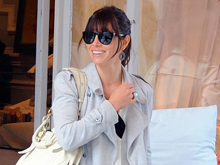 Jessica Biel Shops for Sexy Unmentionables