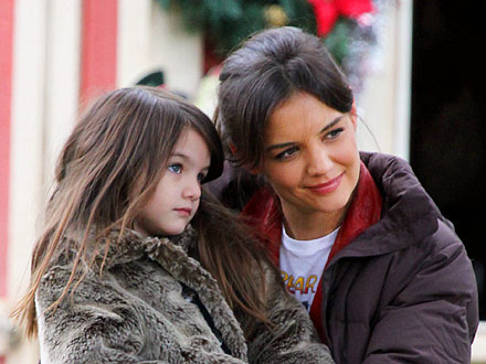 Katie Holmes and Suri Cruise's Mother-Daughter Flea Market Day