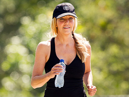 A 'Happy' Heather Locklear Emerges from Seclusion – for Mexican Food!