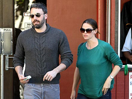 Ben Affleck & Jen Garner Tip Big During Low-Key Date Night | Ben Affleck, Jennifer Garner