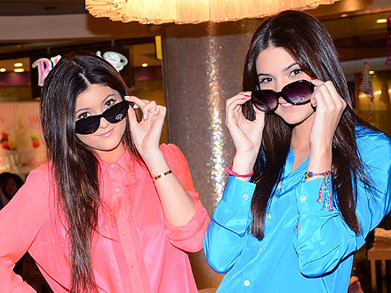 Kendall & Kylie Jenner Have a 'Sweet' Night in Sin City